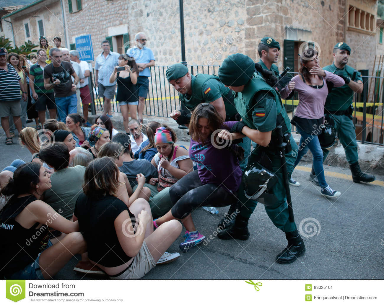 Police evicts a protest against a bull run in Mallorca.