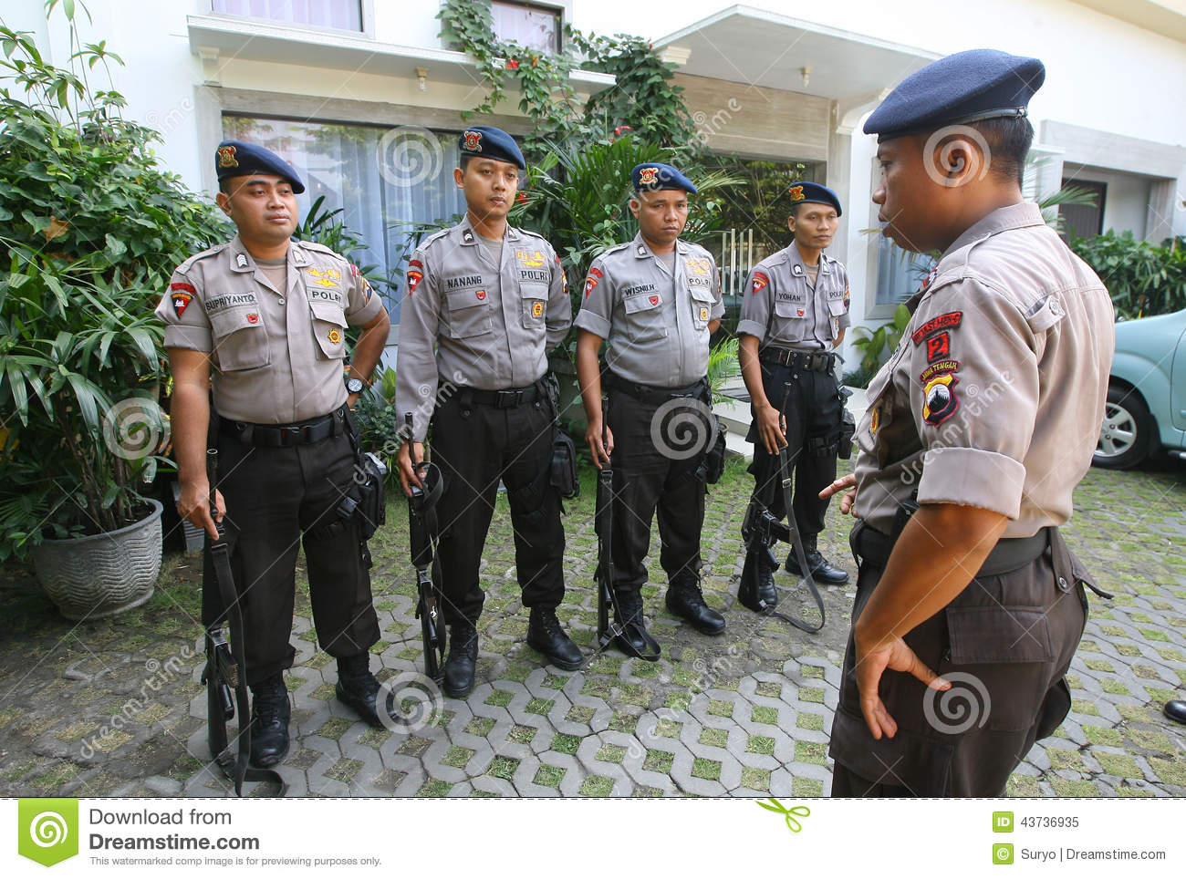 Police Guard The President's Home Editorial Image - Image of