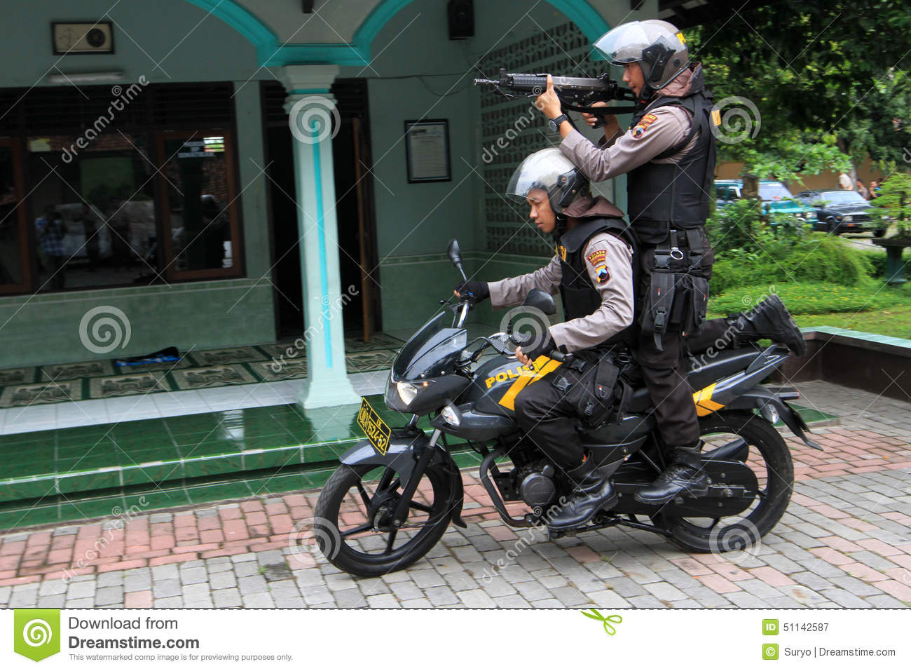 a motorcycle shooting  Police editorial photography. Image of central, practice - 51142587