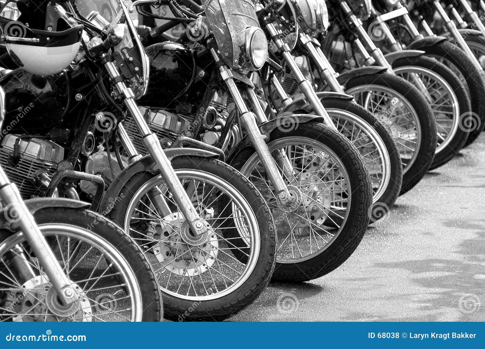 Policjant na motocyklu roweru rząd protesty wywołane konfrontacji