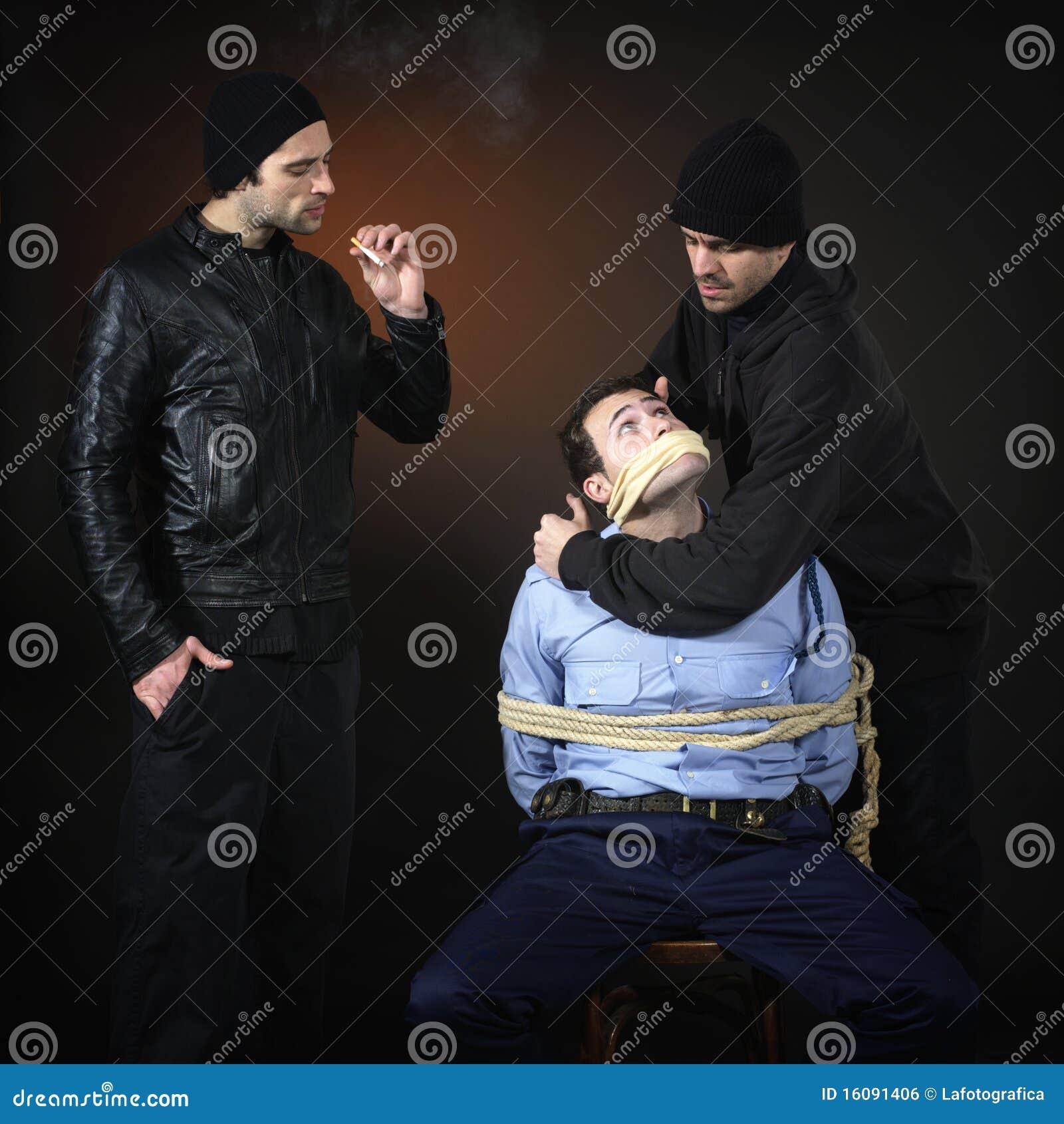 Policman en twee thiefs.