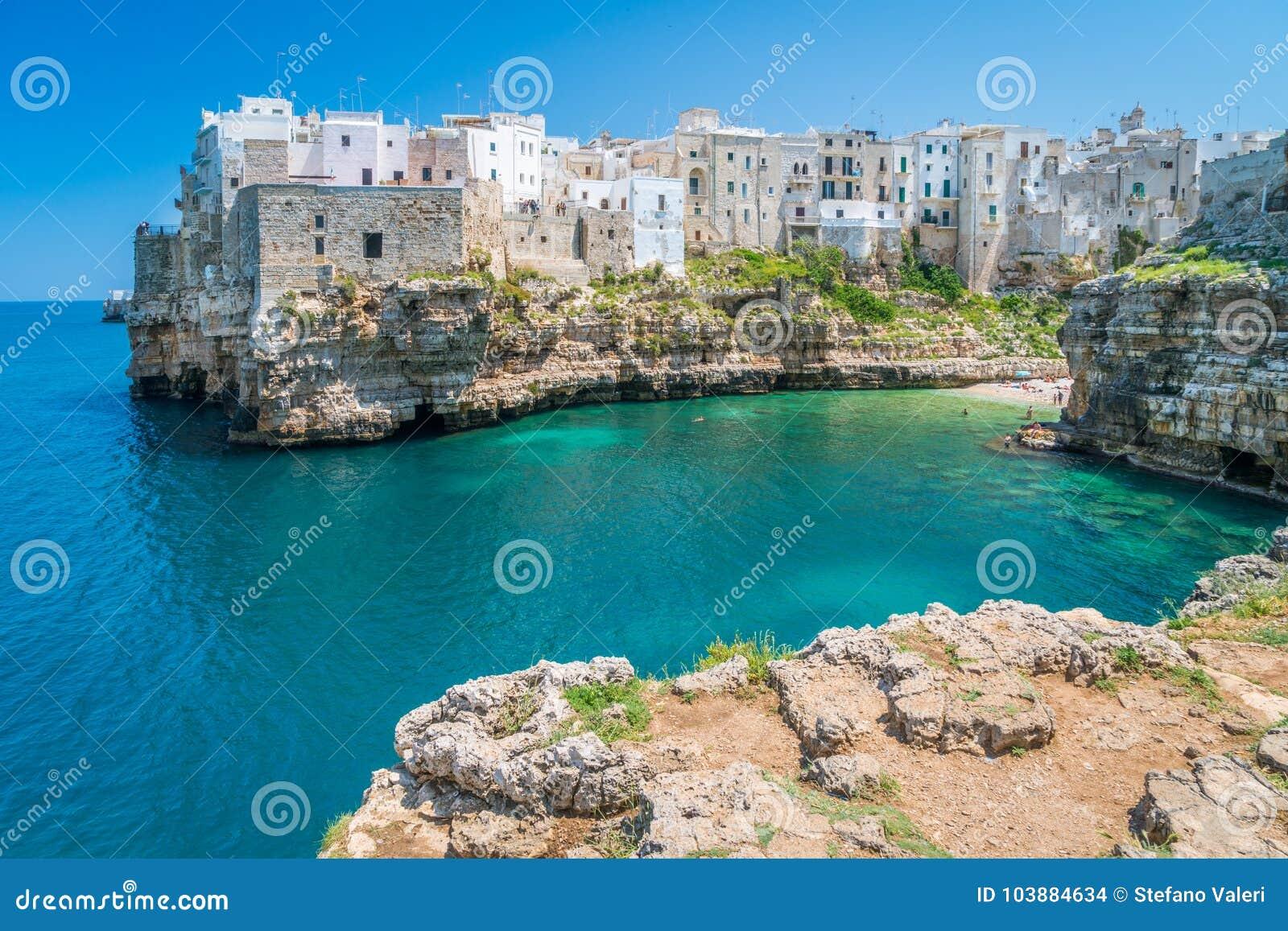 Polignano une jument, Bari Province, Pouilles, Italie du sud