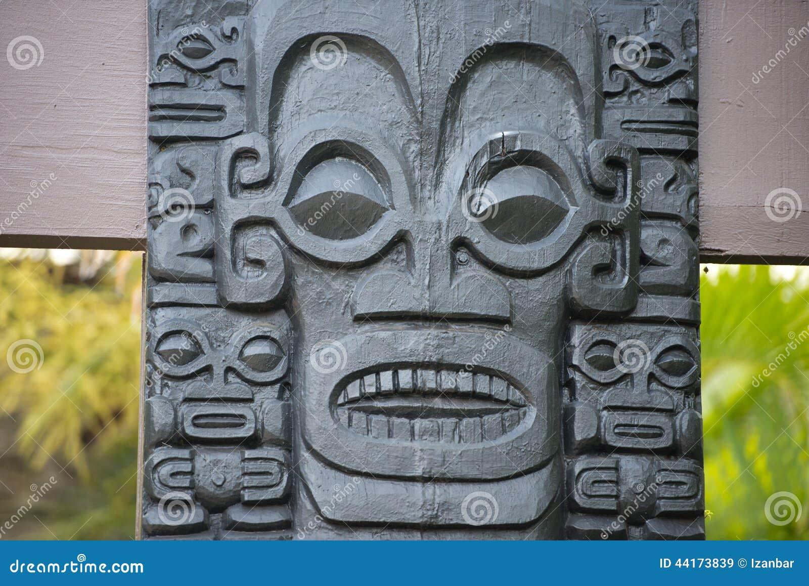 Polinezyjczyk kamienna statua