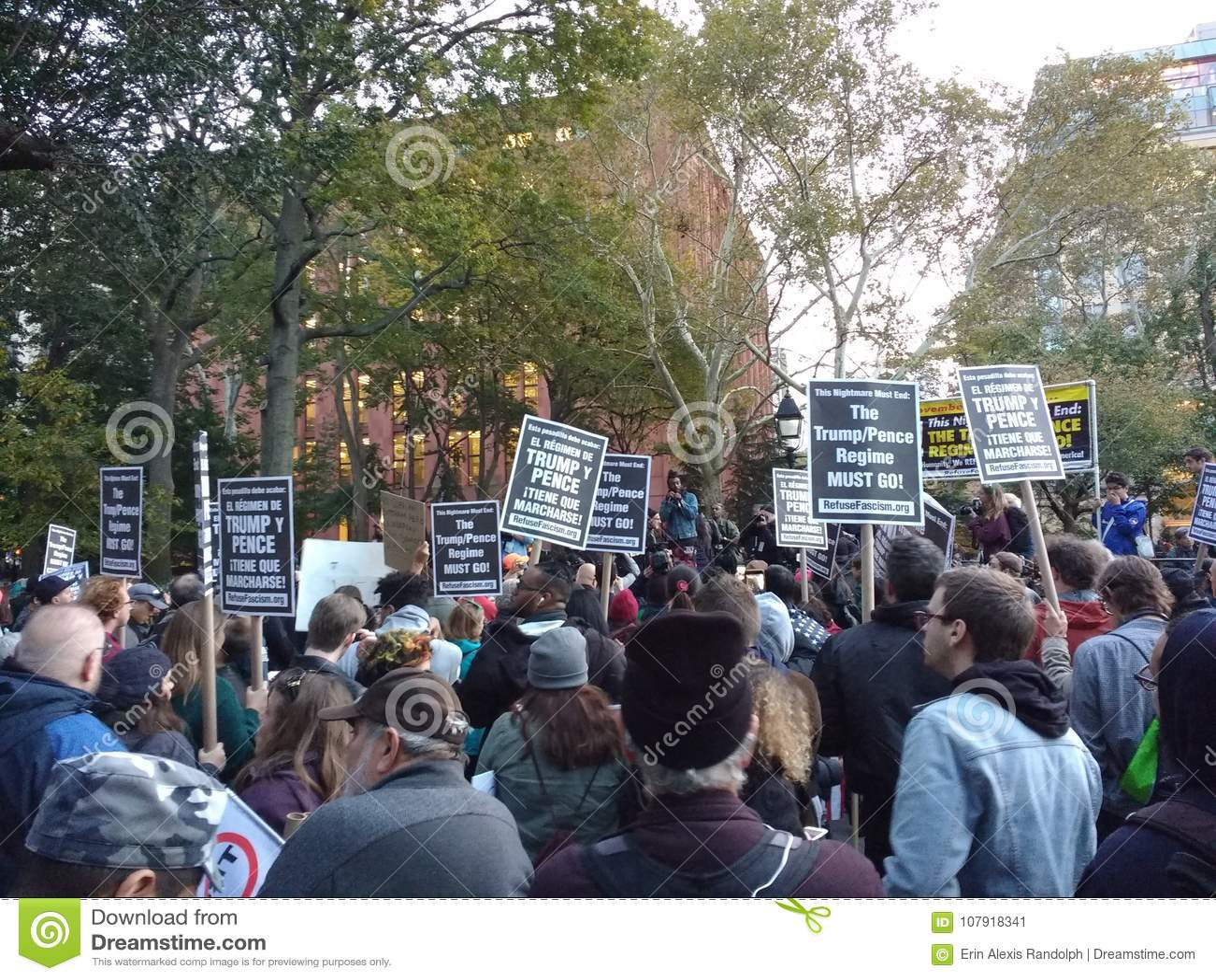 Politieke Verzameling, het Protest van het Afvalfascisme, Washington Square Park, NYC, NY, de V.S.