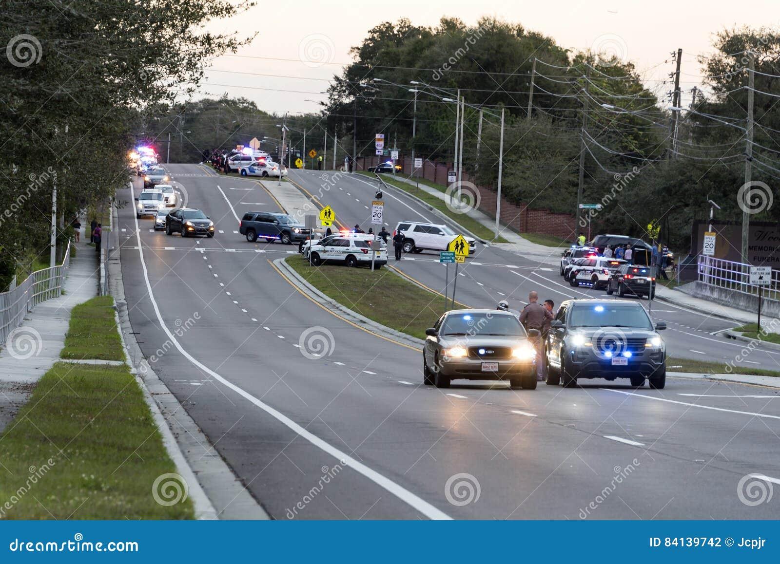 Politiemannen begrafenisoptocht