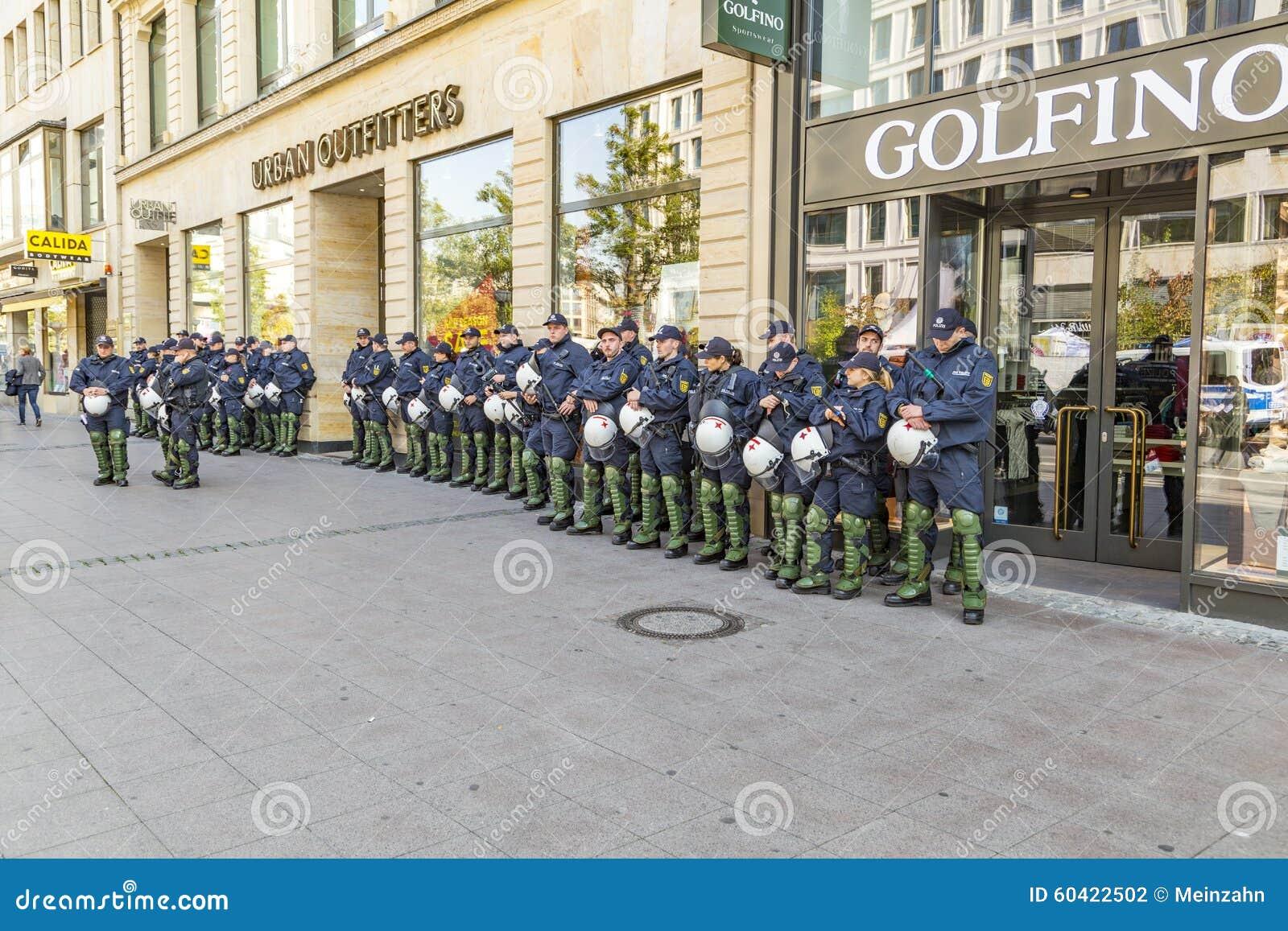 Polizei Auf Der Bereitschaft Zum Am Jahrestag Der Deutschen Einheit