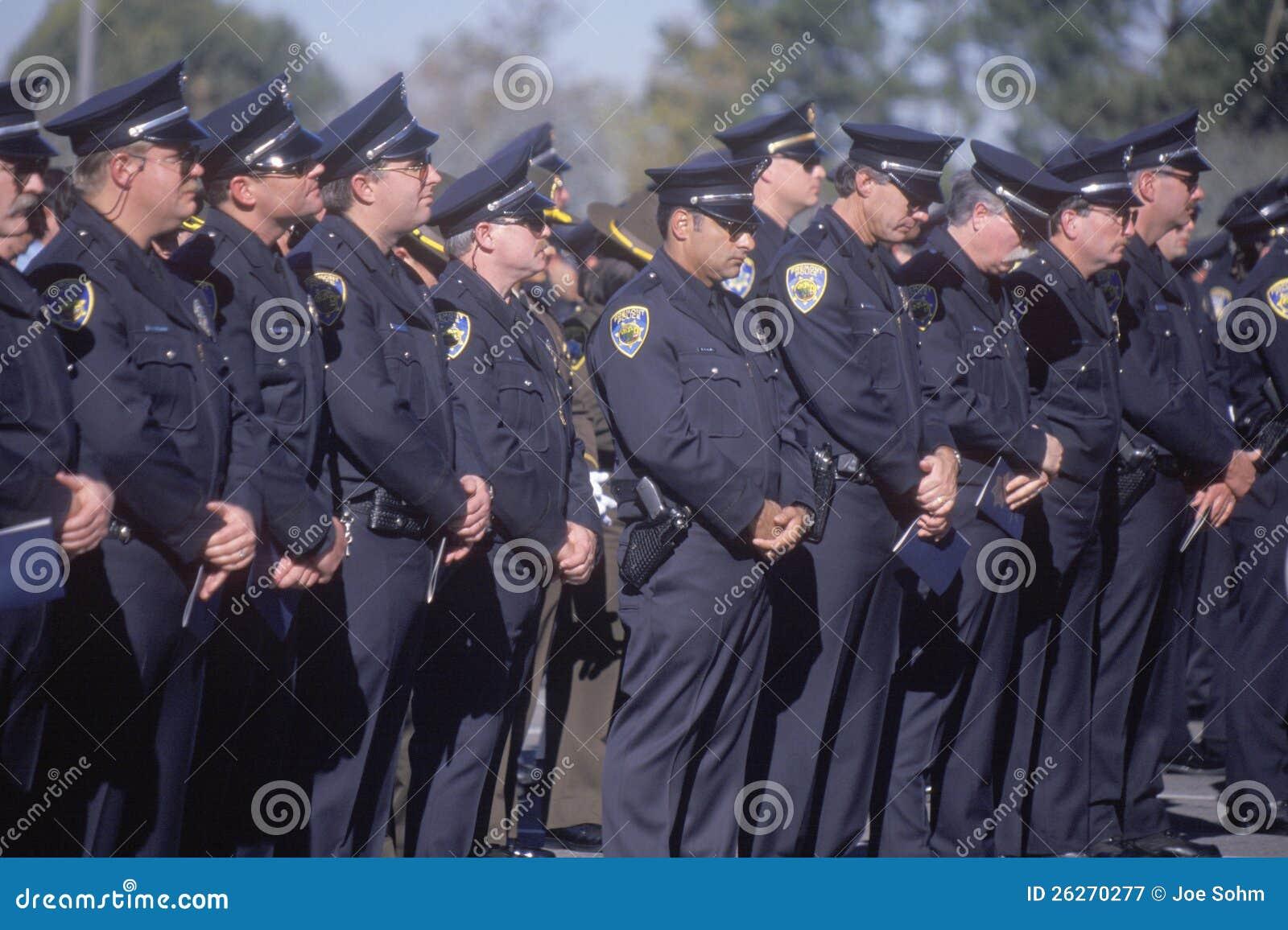 Polizeibeamten an der Begräbnis- Zeremonie