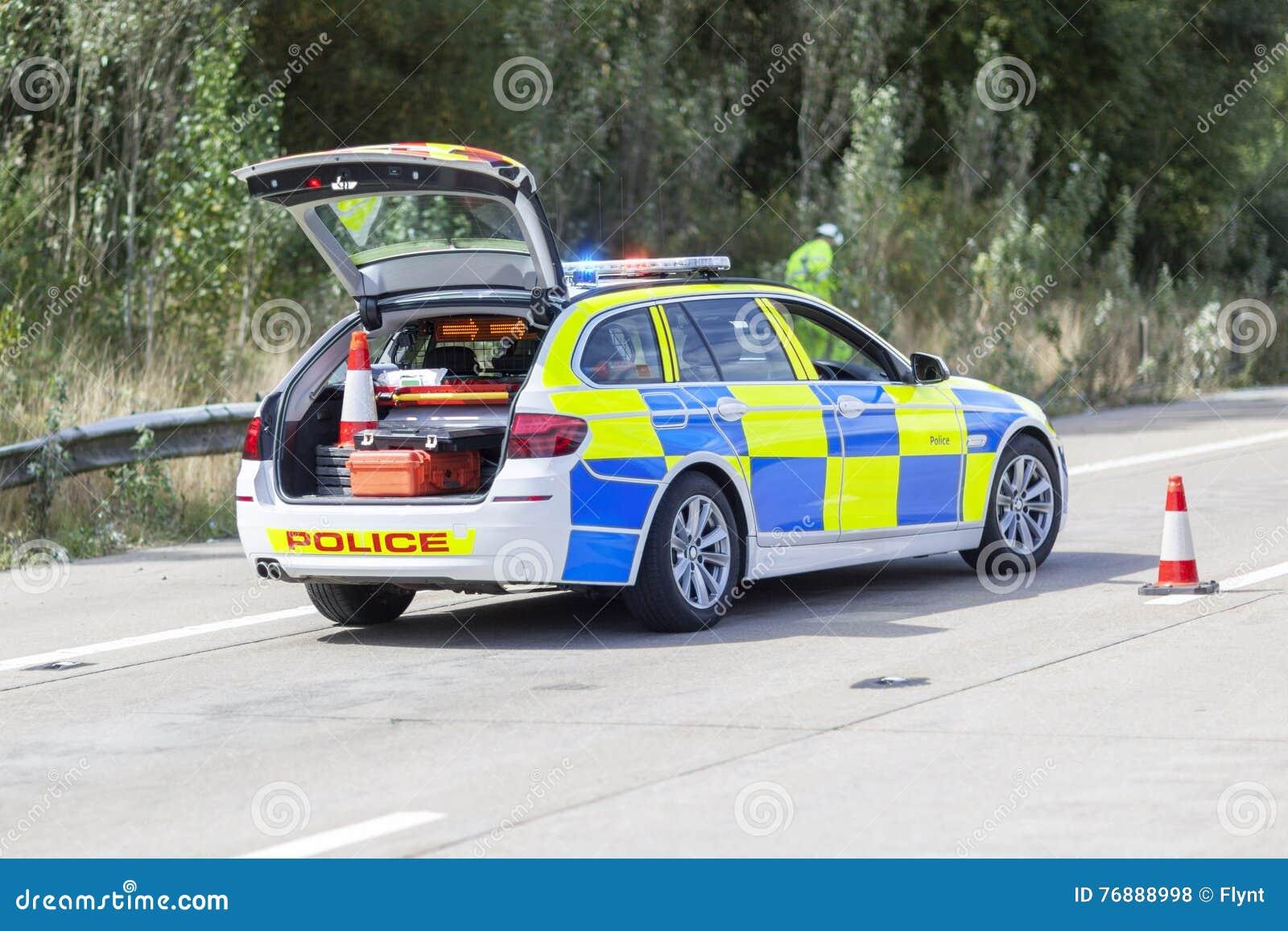 Polizeiwagen am Autobahnunfall oder -Tatort