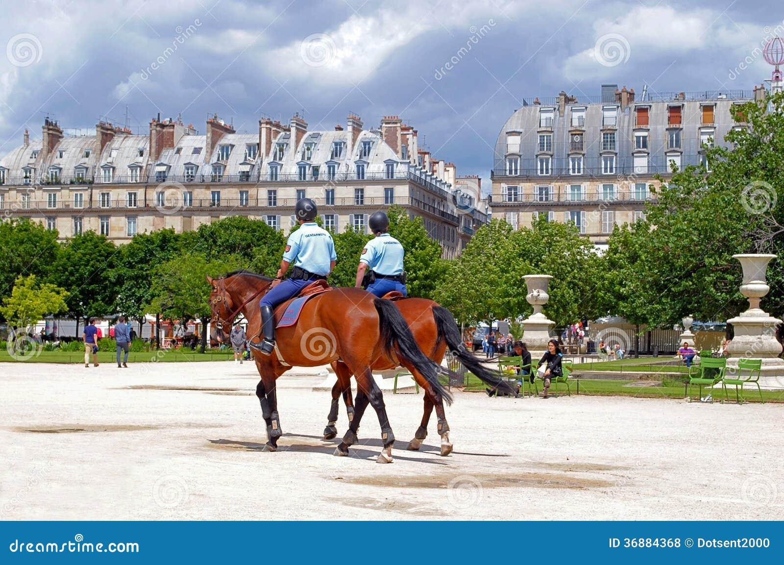 Download Polizia montata. fotografia stock editoriale. Immagine di horseback - 36884368