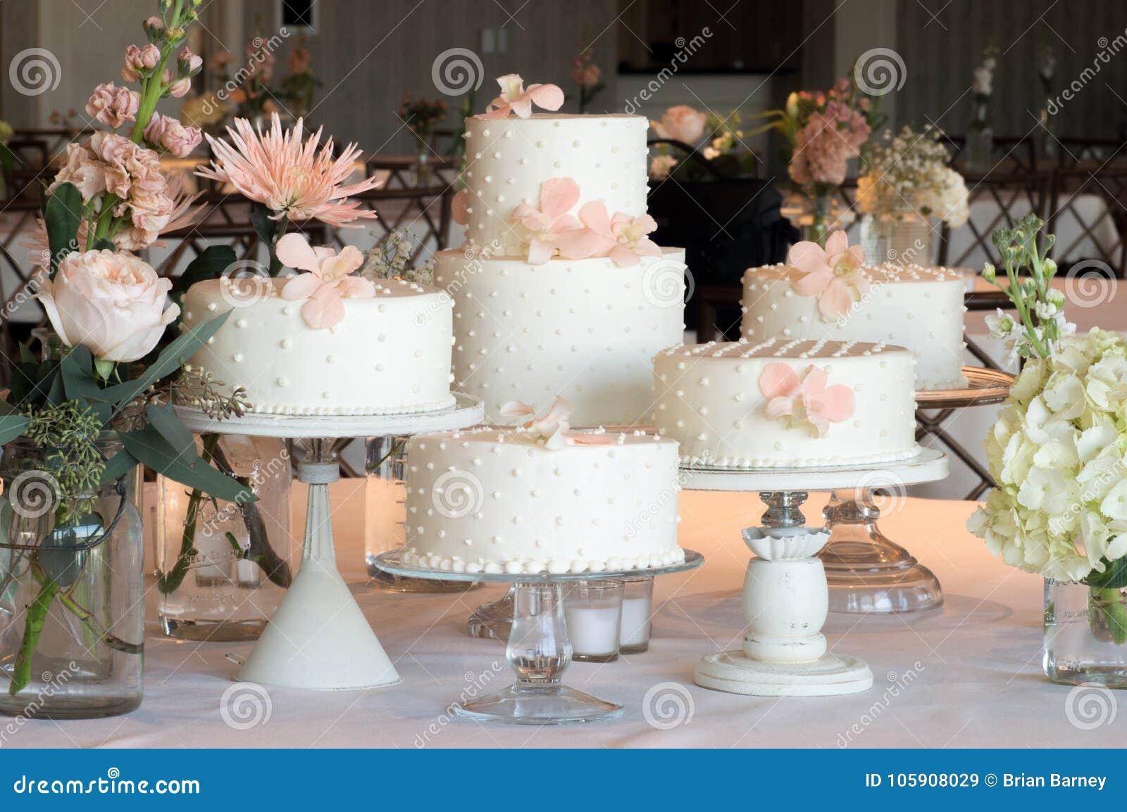 Polka Dot Wedding Cake Arrangement Stock Image Image Of Flowers Assortment 105908029
