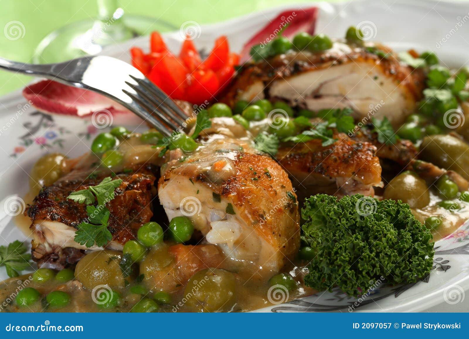 Pollo con los guisantes