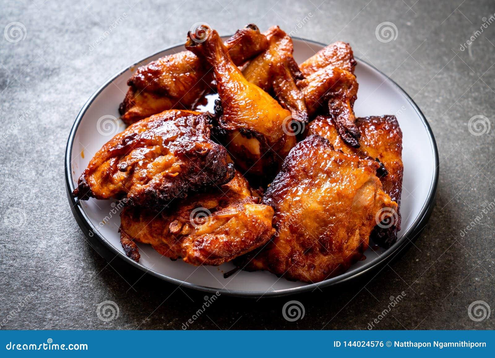 Pollo del barbecue e arrostito