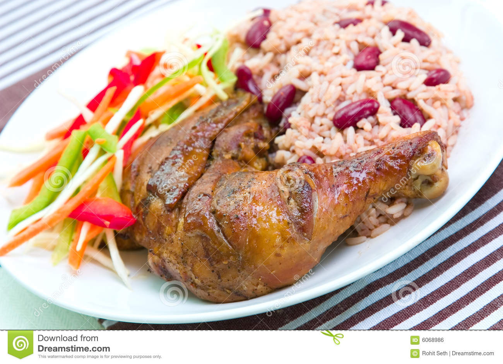 Pollo del tirón con el arroz - estilo del Caribe