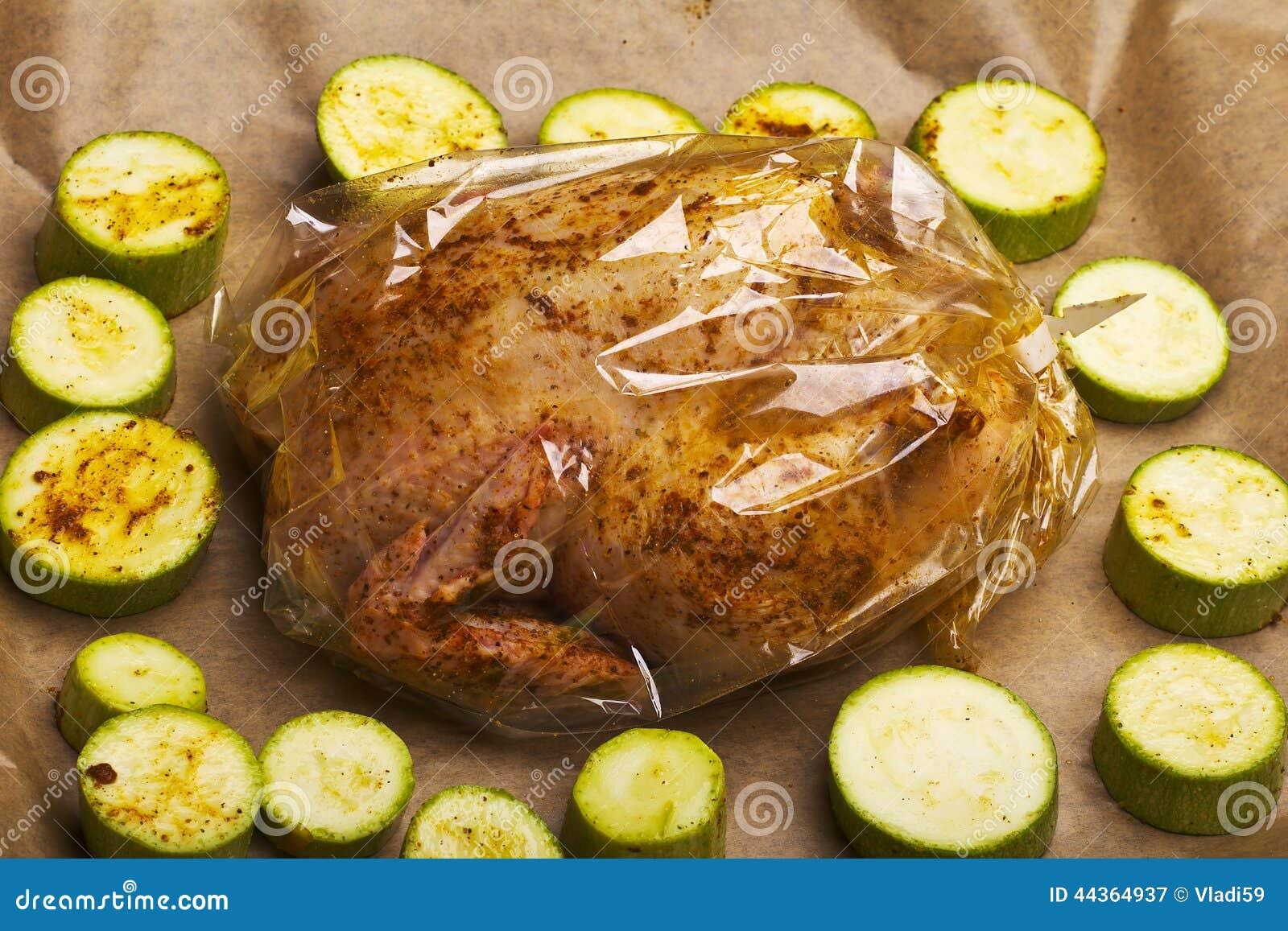 Pollo e verdure grezzi