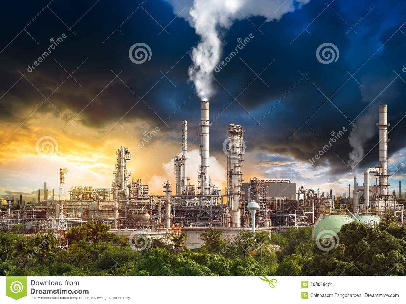 Pollution from oil refinery