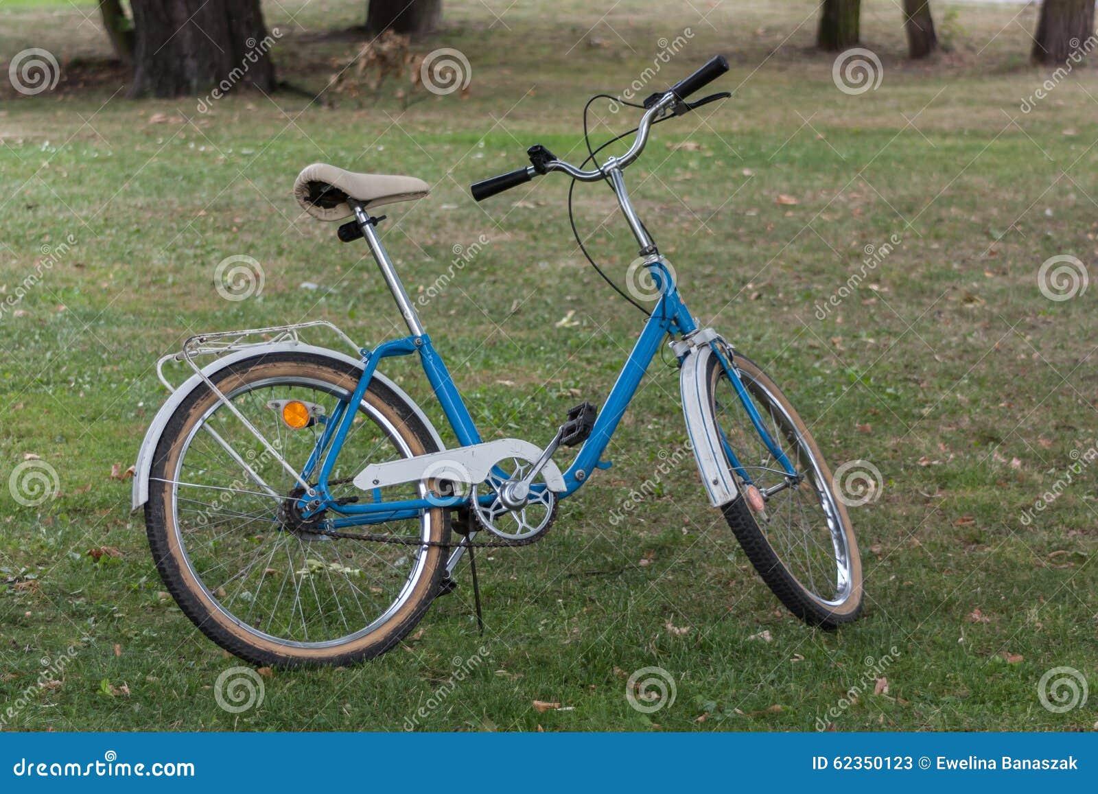 Polnisches Fahrrad Im Jahre 1992 Hergestellt Stockbild - Bild von ...