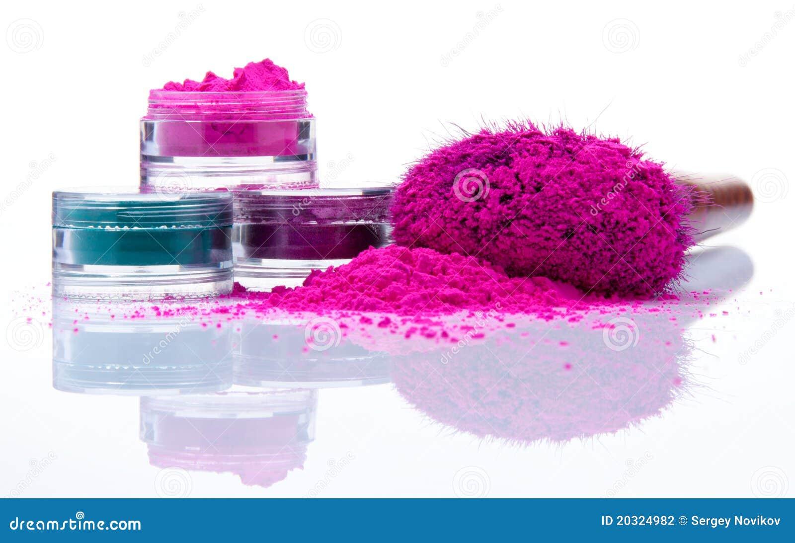 Polvo del maquillaje de diversos colores