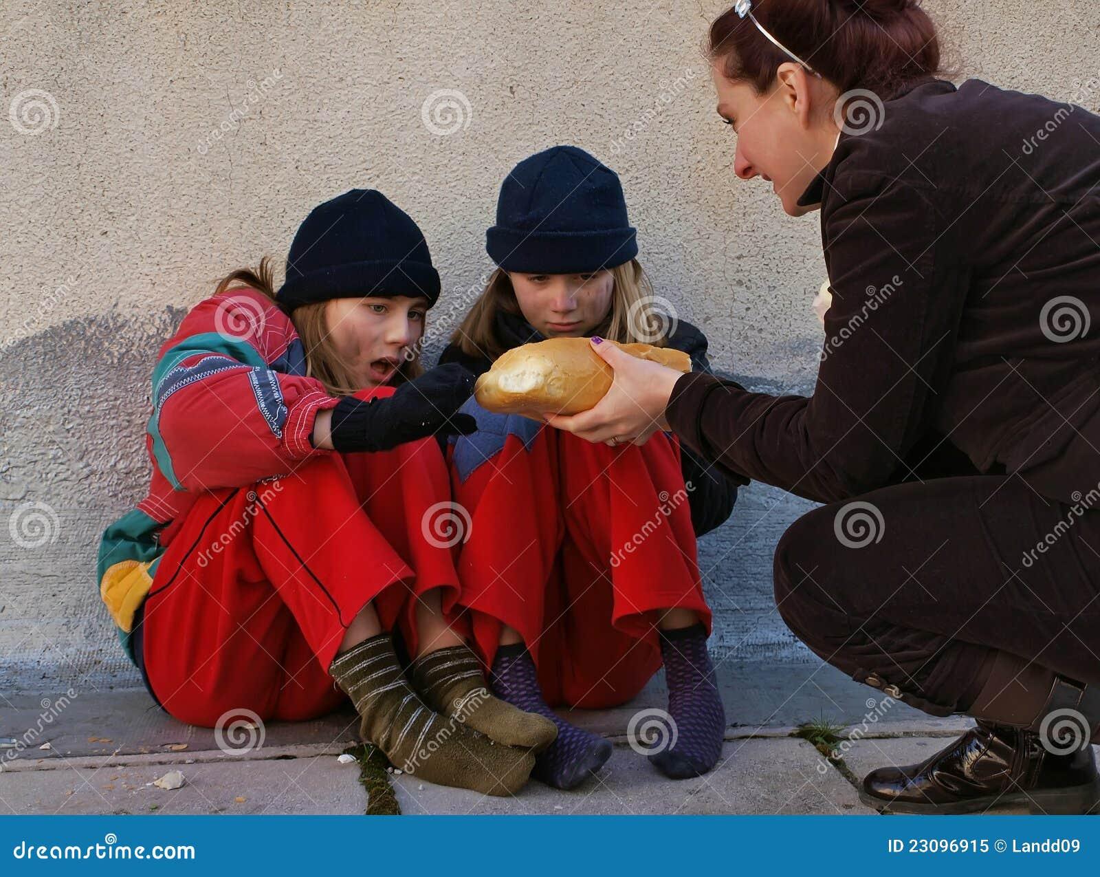 Pomaga biednych dzieci
