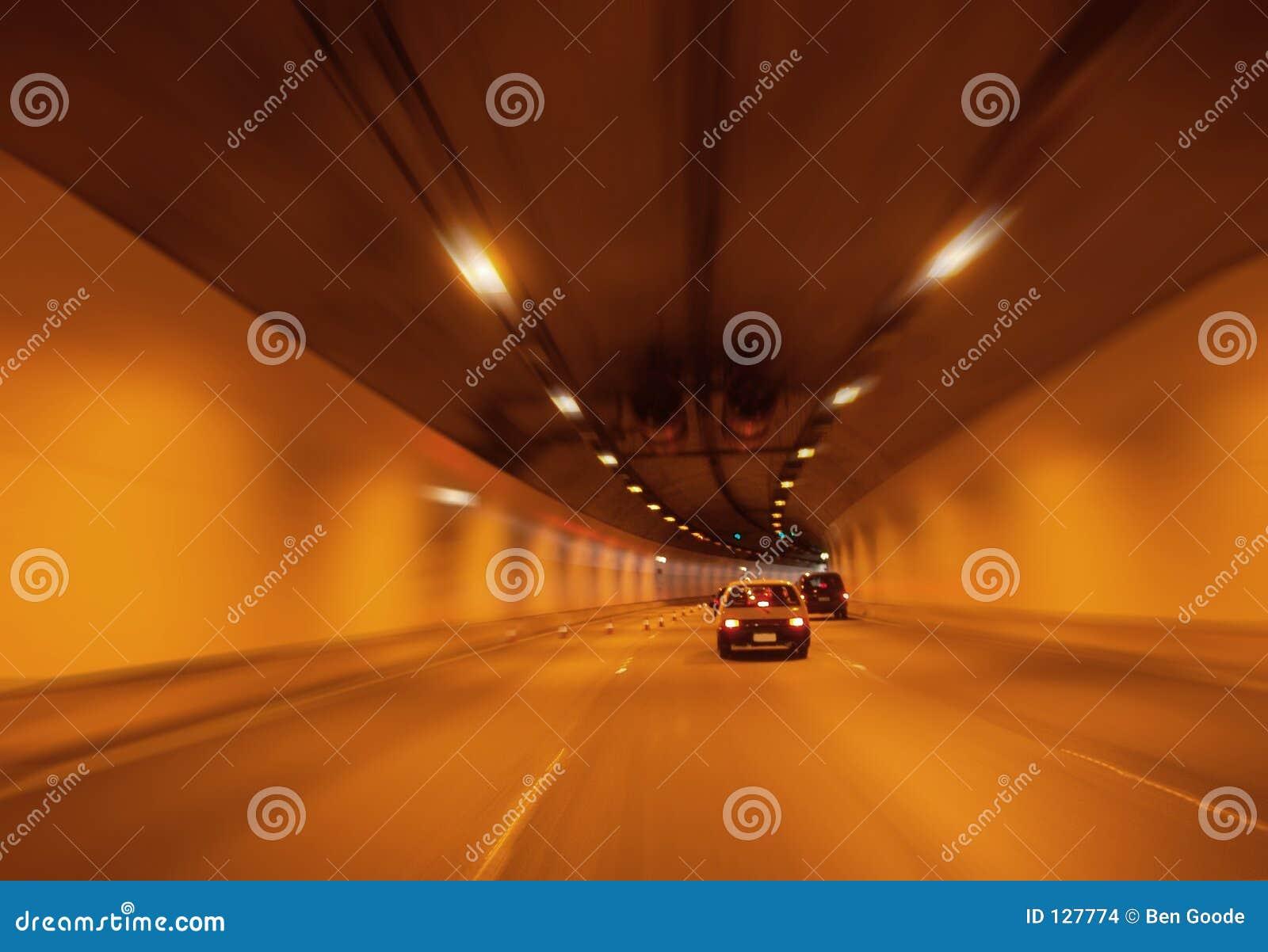 Pomarańczowy do tunelu