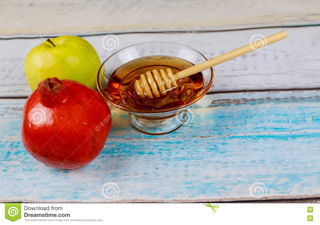 Pomegranate, Apple And Honey, Traditional Food Of Jewish ...