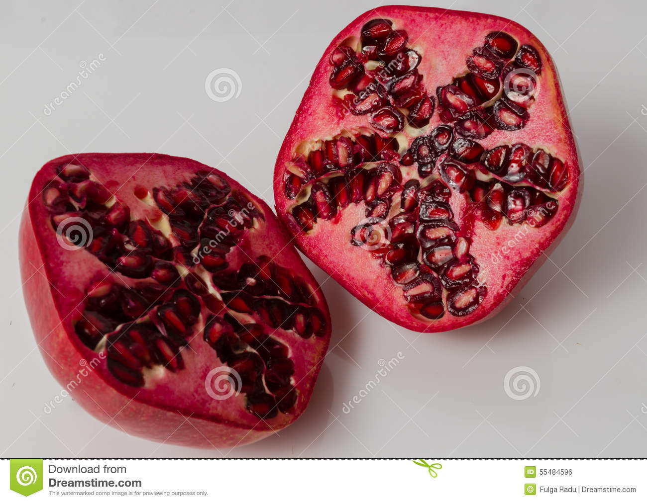how to cut a pomegranate in half