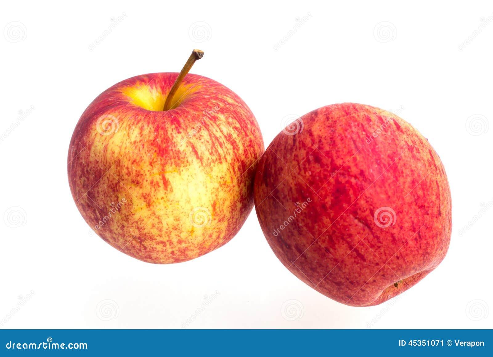 Pomme de gala sur un fond blanc