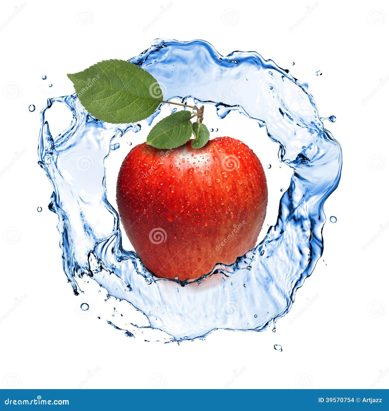 pomme rouge avec les feuilles et l 39 claboussure de l 39 eau d 39 isolement photo stock image 39570754. Black Bedroom Furniture Sets. Home Design Ideas