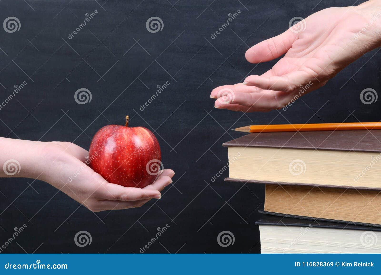 Pomme rouge pour le professeur