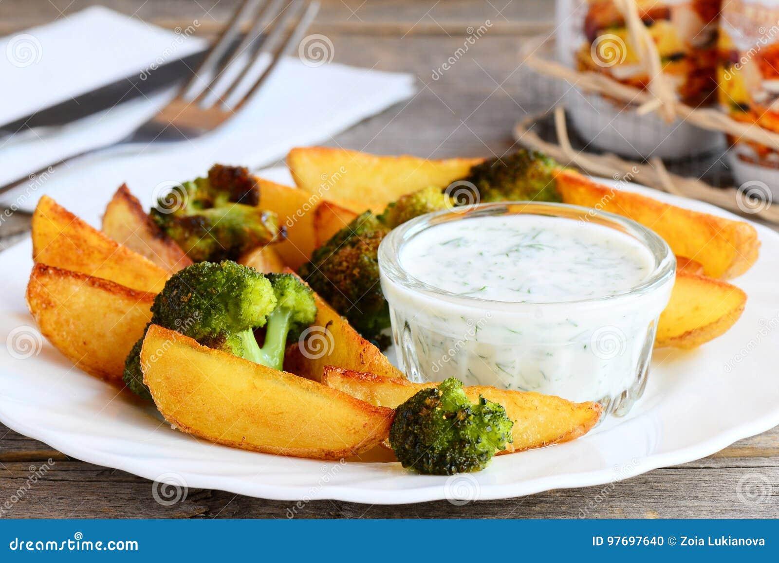 Beignet De Brocolis Au Four pommes de terre et brocoli cuits au four faits maison avec