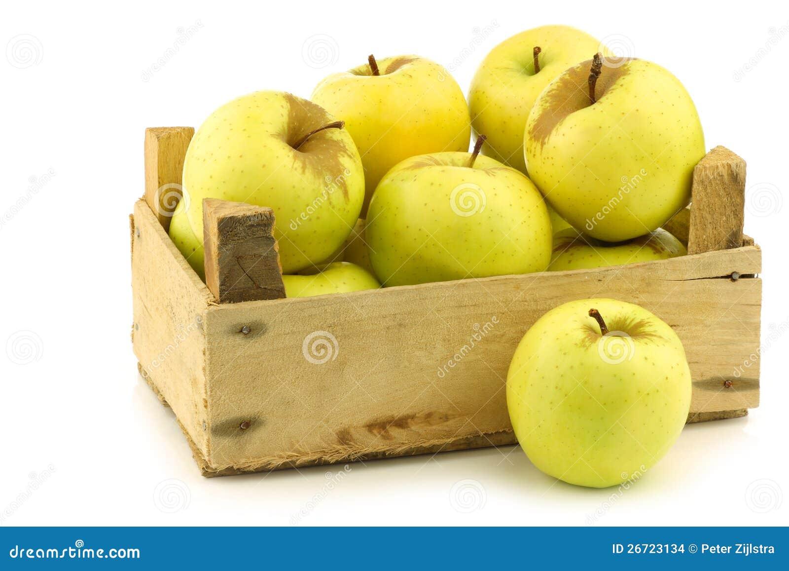 Caisse De Pomme Vide pommes golden delicious fraîches dans une caisse en bois