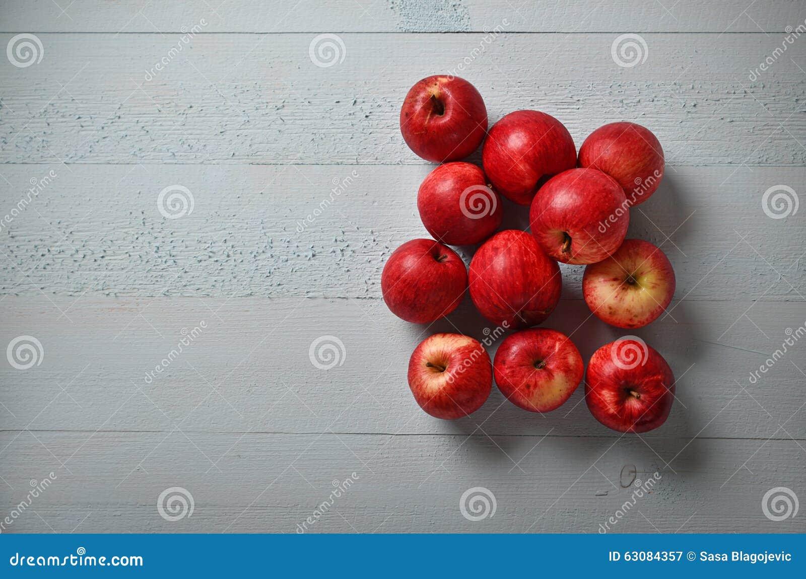 Download Pommes rouges organiques image stock. Image du régime - 63084357