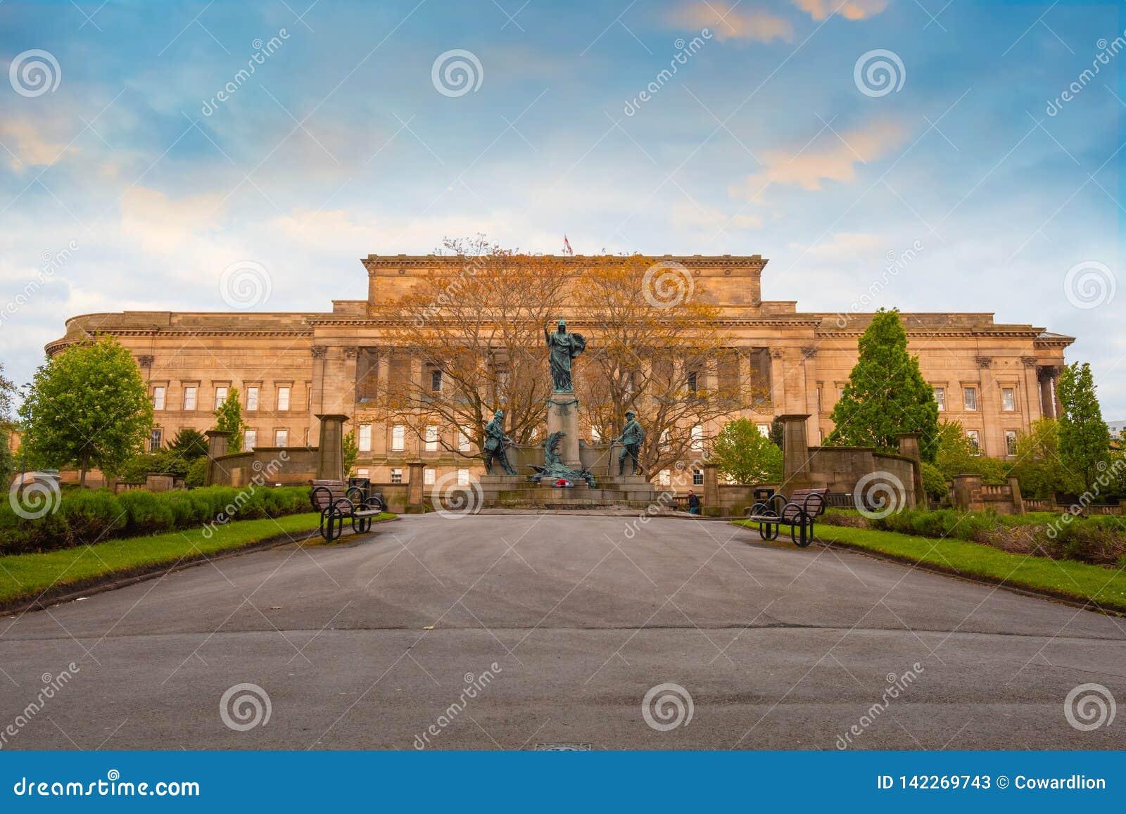 Pomnik królewiątka Liverpool Reigiment w Liverpool, UK