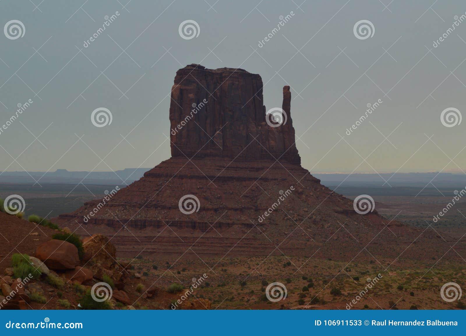 Pomnikowa dolina przy zmierzchem Raj geologia