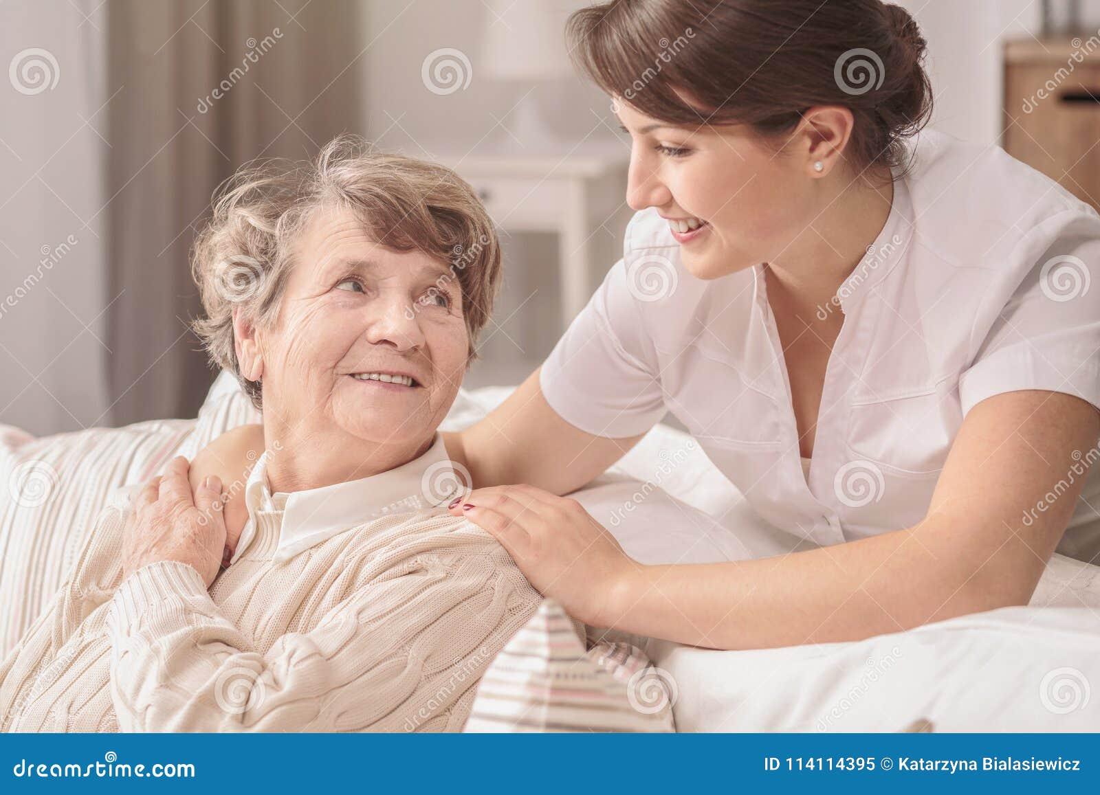 Pomocniczo potomstwo pielęgniarka