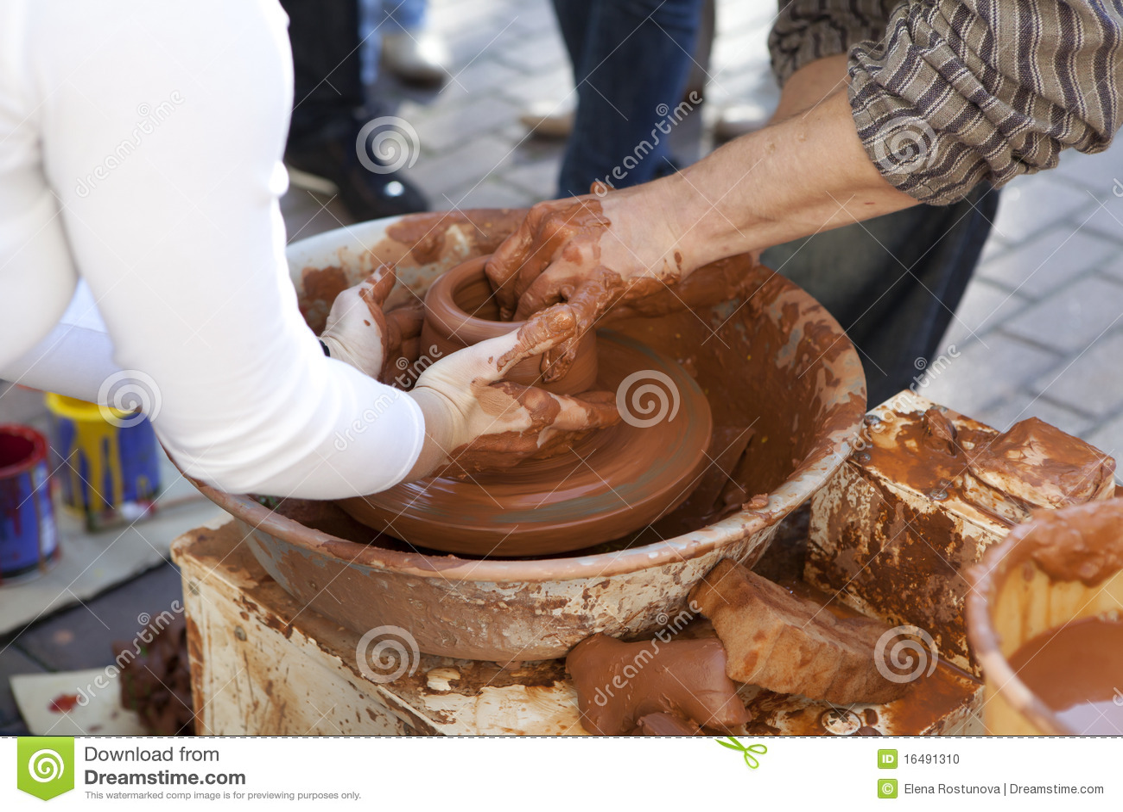 Pomocniczy kucharstwo garnek jego garncarka uczy