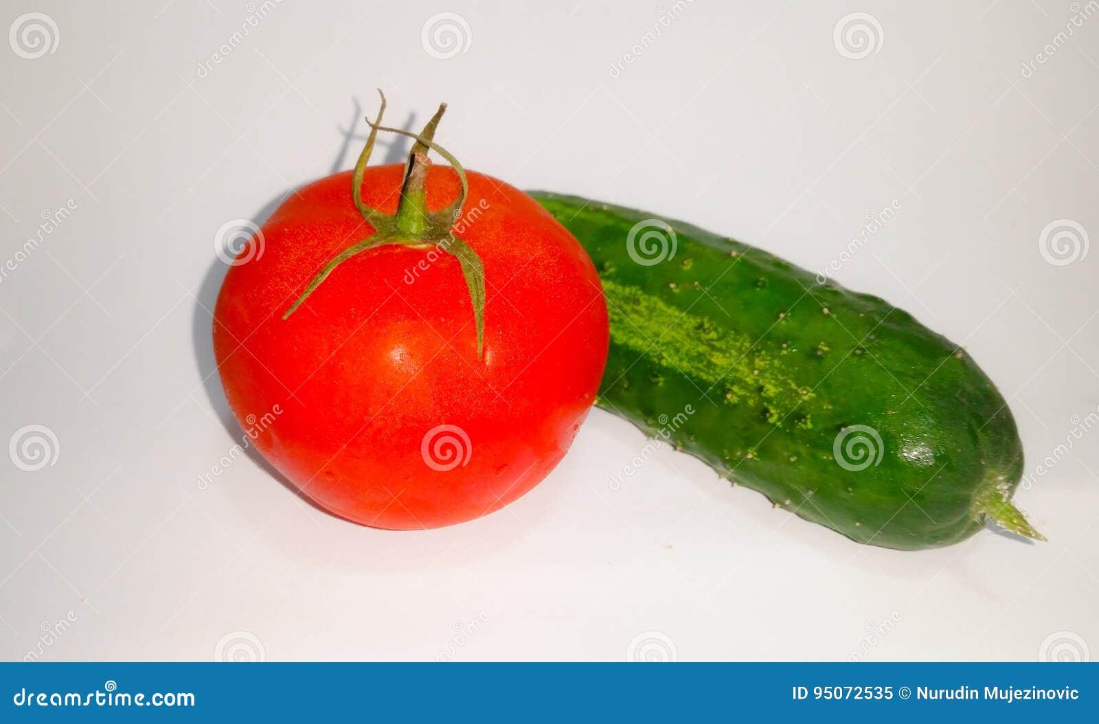 Pomodoro e cetriolo