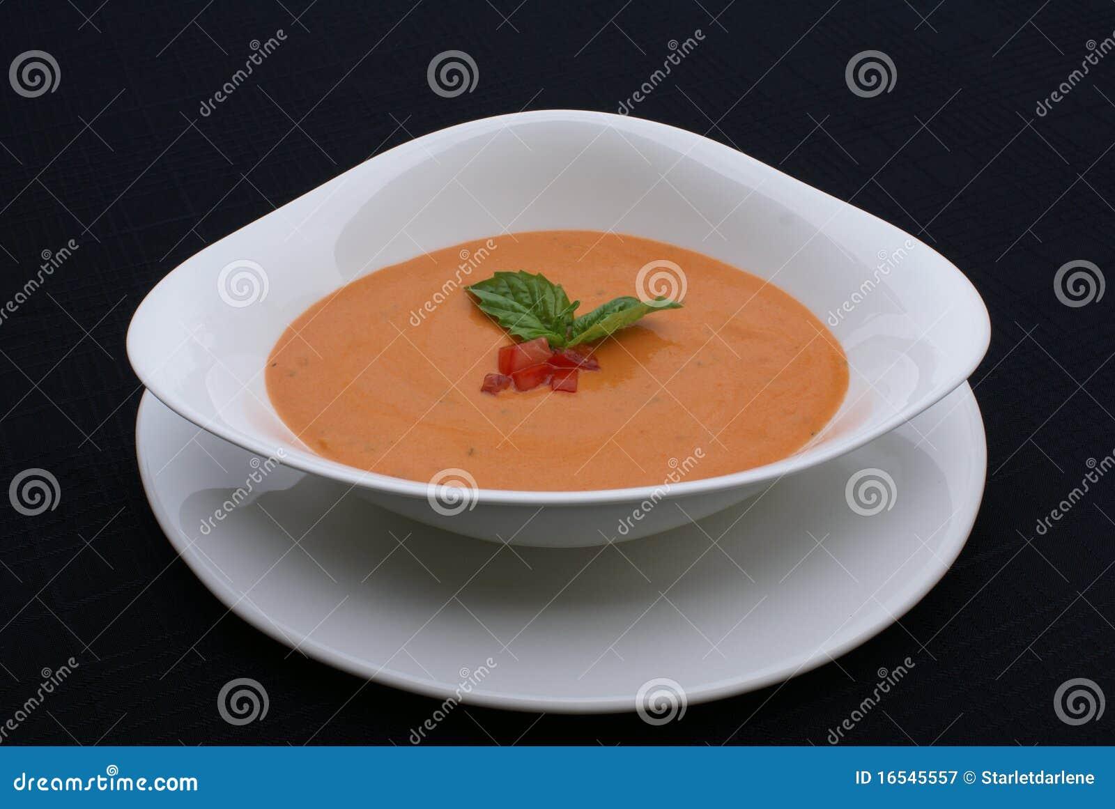 Pomodoro e minestra del basilico
