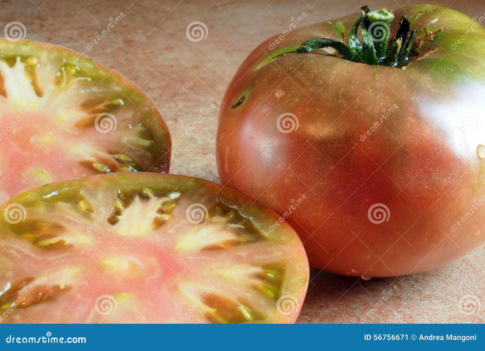 Pomodoro porpora cherokee affettato