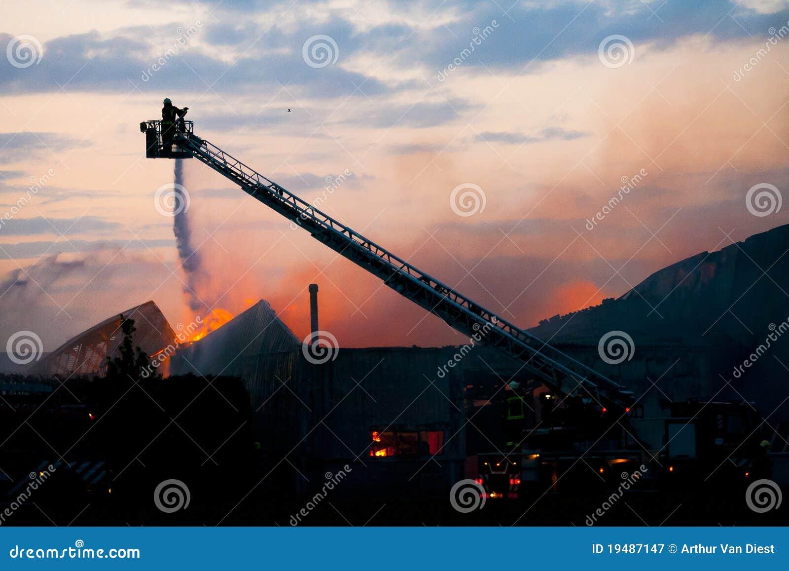 Pompiere nell azione