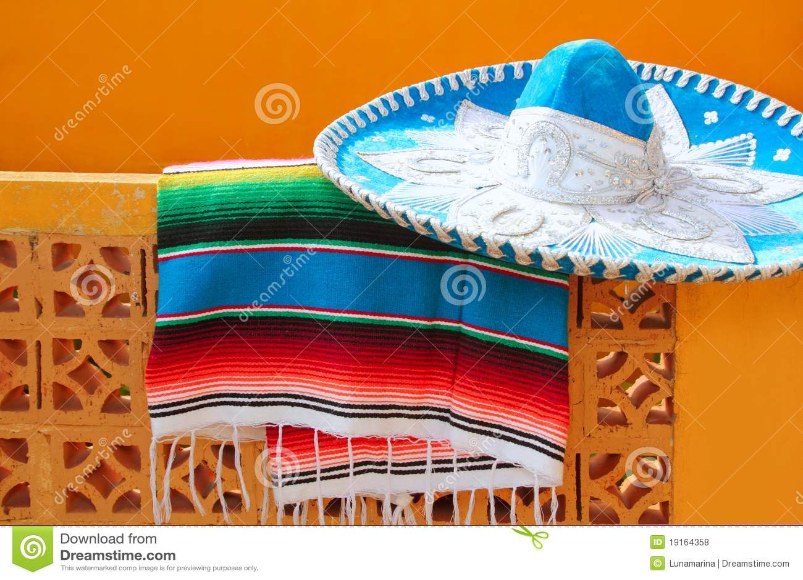 7464688ee72b8 Poncho Azul Del Serape Del Sombrero Mexicano Del Mariachi De Charro ...