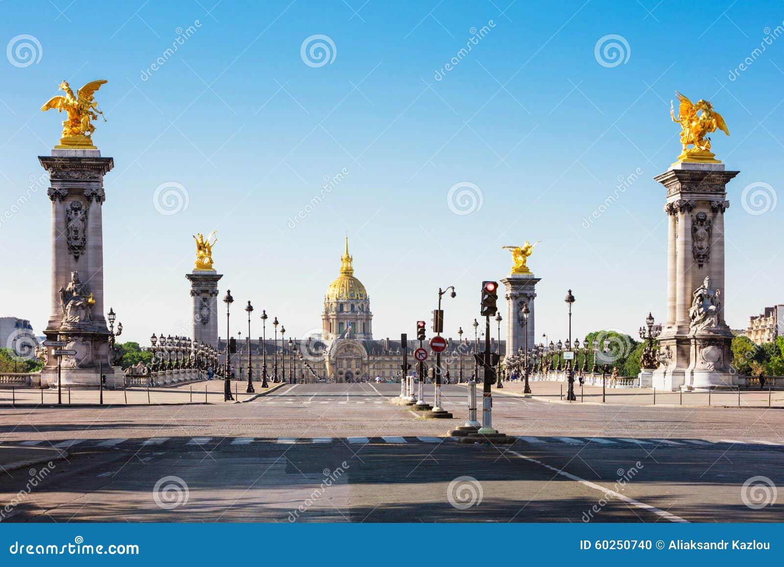 Pont Alexandre III Brug & Hotel des Invalides, Parijs, Frankrijk