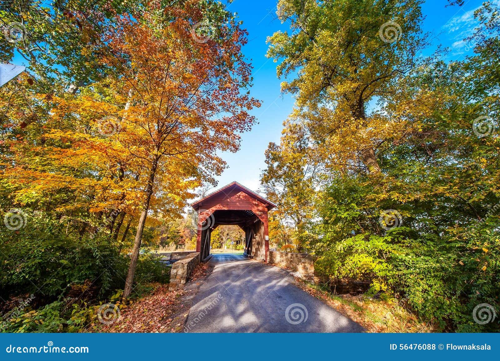 Pont couvert du Maryland en automne