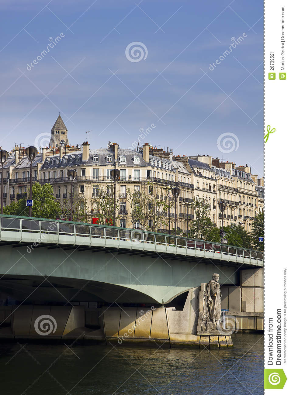 pont d 39 alma bridge in paris by day stock image image 26739521. Black Bedroom Furniture Sets. Home Design Ideas