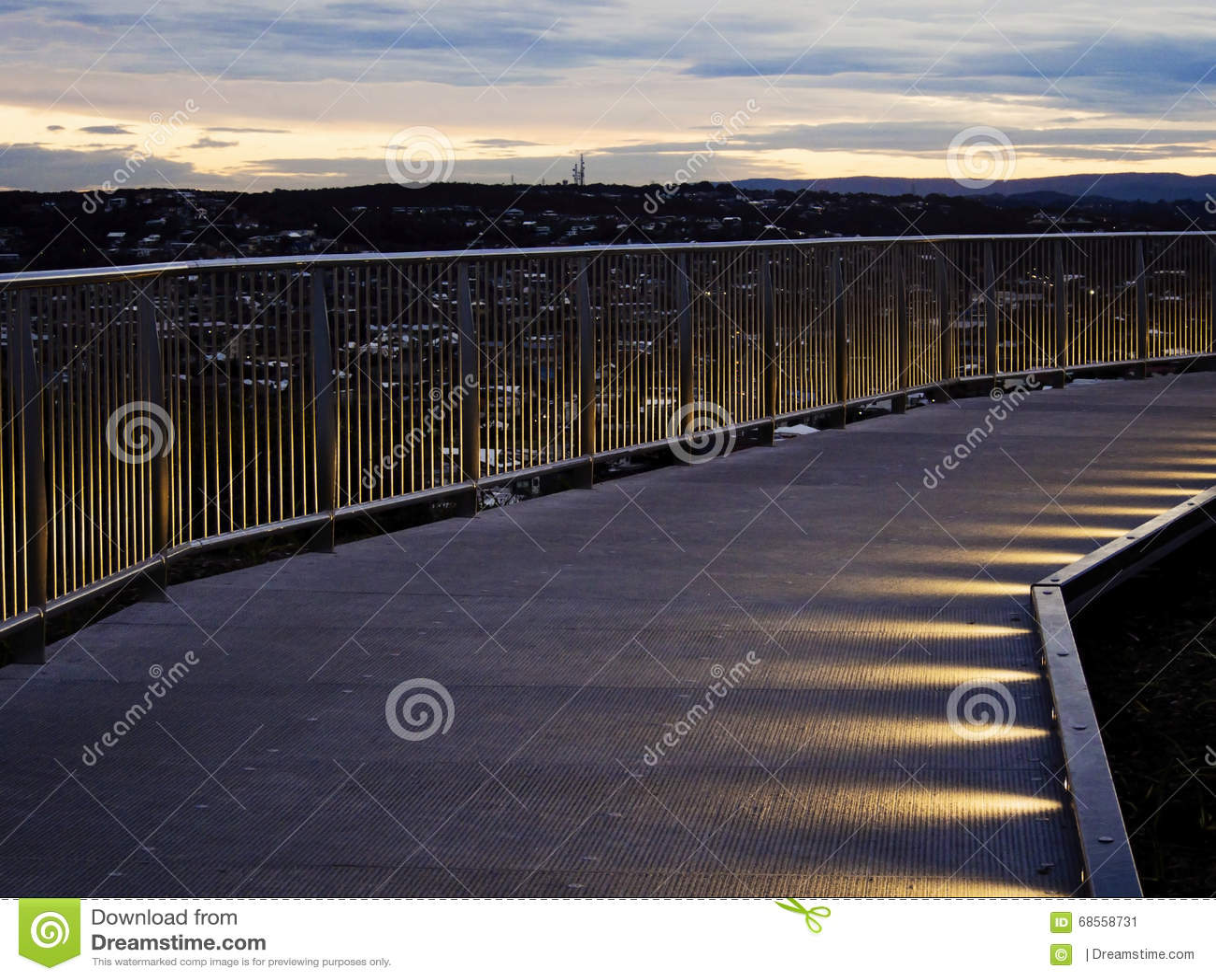 Pont d Anzac Walking