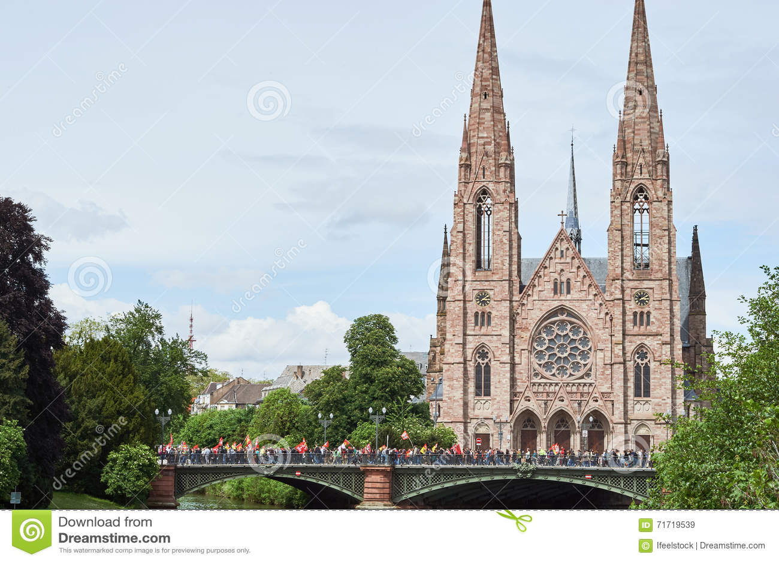 Pont d`Auvergne with protestants