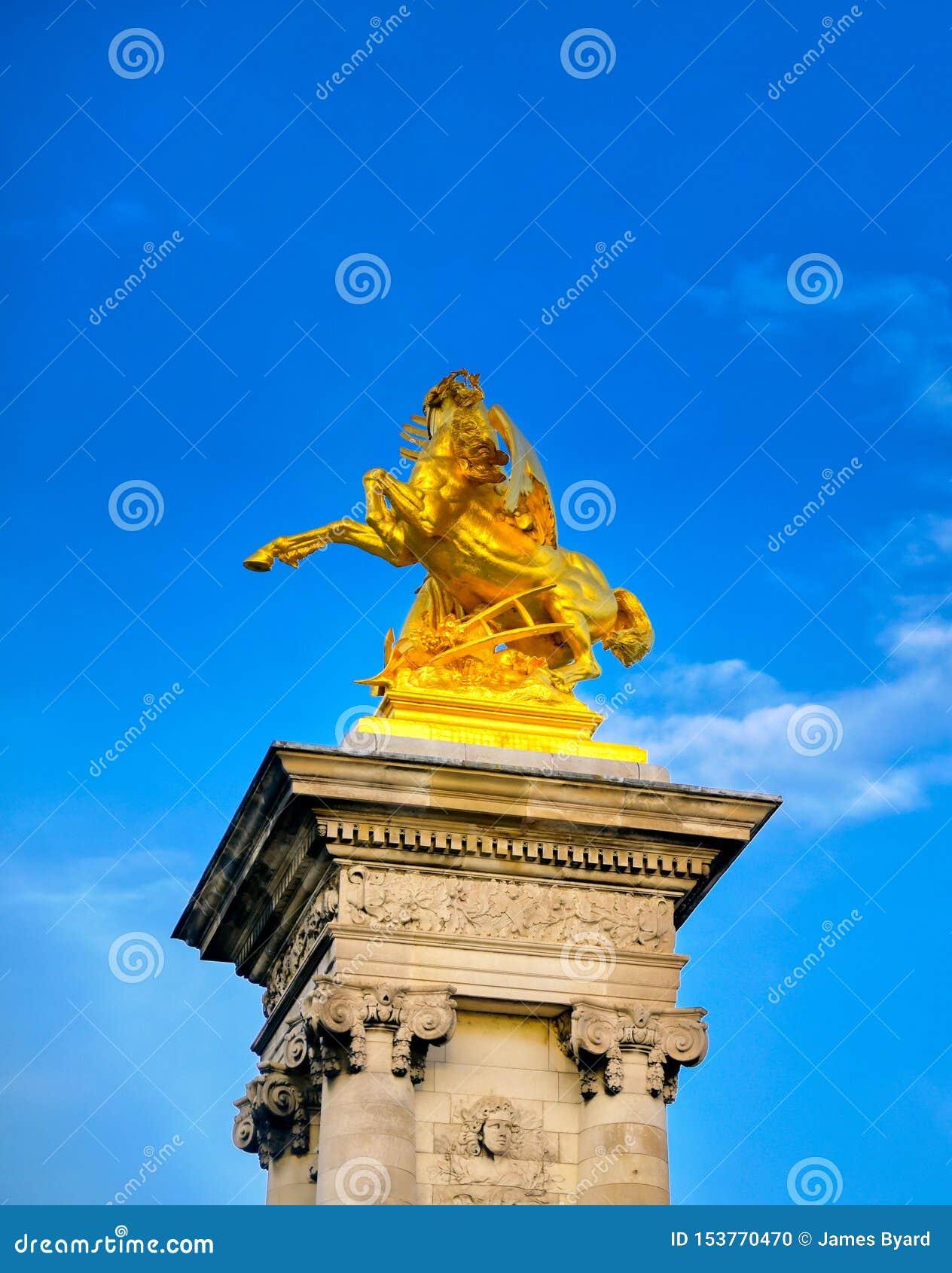 Pont de Pont Alexandre III ? Paris, France