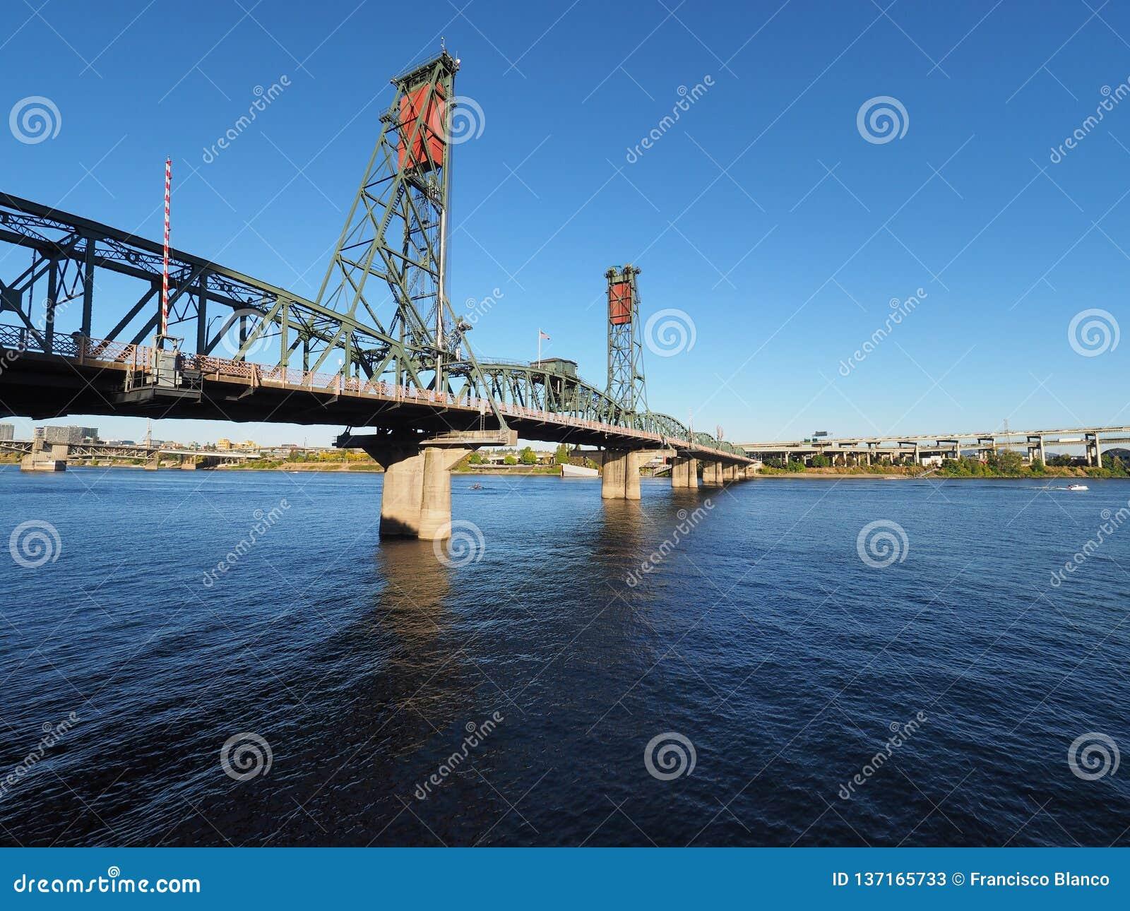 Pont de Hwtorne, Portland, Orégon