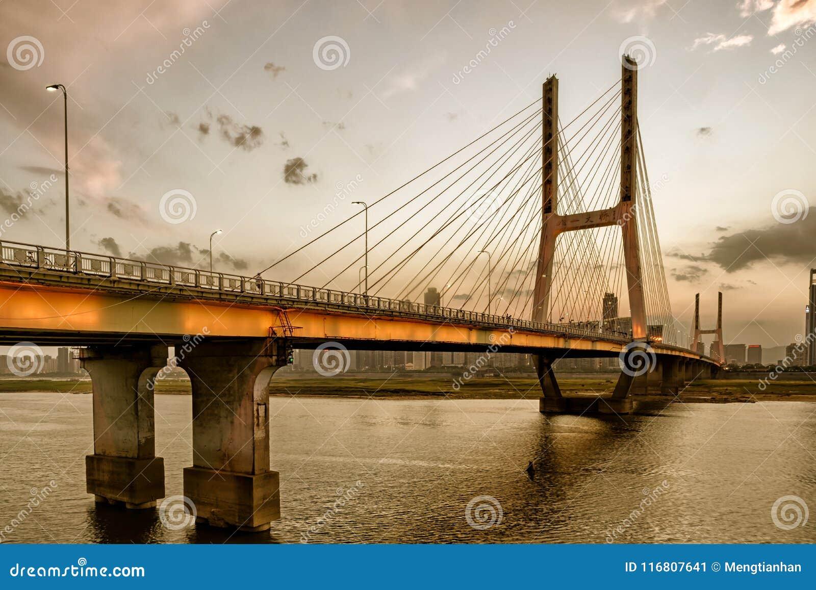 Pont de Nan-Tchang Bayi
