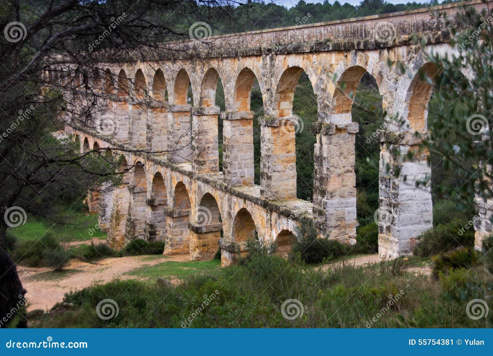 Download Pont Del Diable, Tarragona, Spain Stock Image - Image of building, green: 55754381