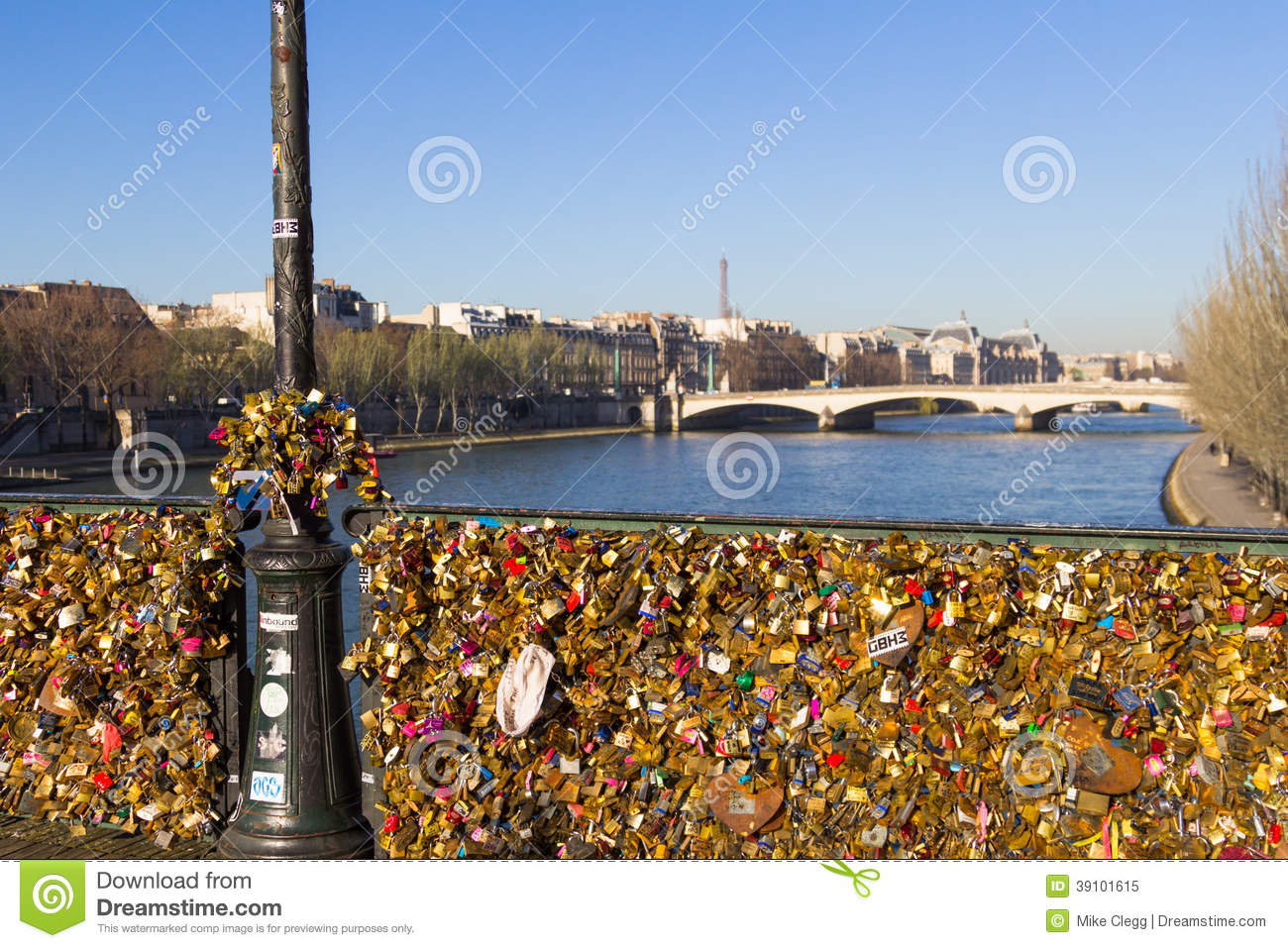 Pont Des Arts And Eiffel Tower Editorial Image Image